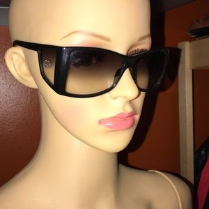 Vintage Gucci Sunglasses 🕶 GG studs on the sides